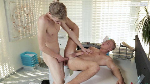 Horny Handyman Takes A Flip-Flopping Ride With A Suited Boss!