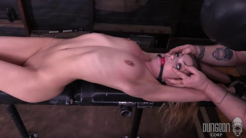 Super bondage, spanking and domination for hot young model