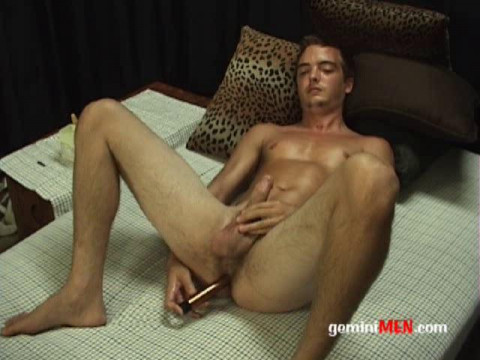 Gemini Men - Michael-Buttplug Jack off