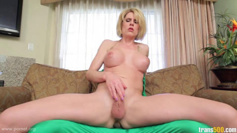 Delia Delions Superfucked (2014)