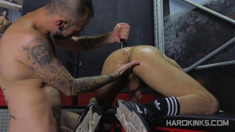 Slaves First Fisting (Angel Garcia, David Luca)