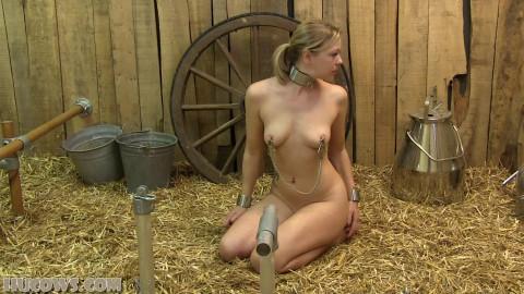 First time restraint bondage & prostate stimulation machine - Lucy Lauren