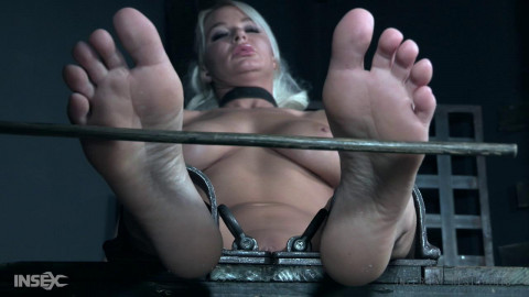 Foot Tortures For Busty London River