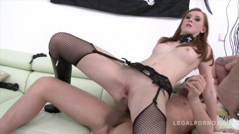 Halloween treat! Linda Sweet triple anal Tap with four guys (2015)