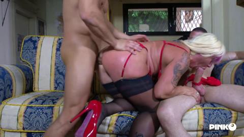 Big Tits Hot Milf Christie Dom