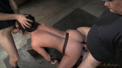 Jennifer White Fucked With Brutal Blowjobs!