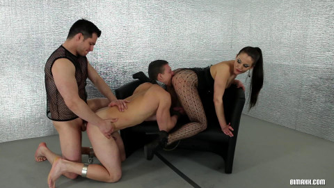 Bring The Boy-Toy In For Some Bi FullHD