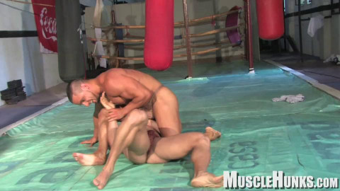 MuscleHunks - Nachos Gym Part 2