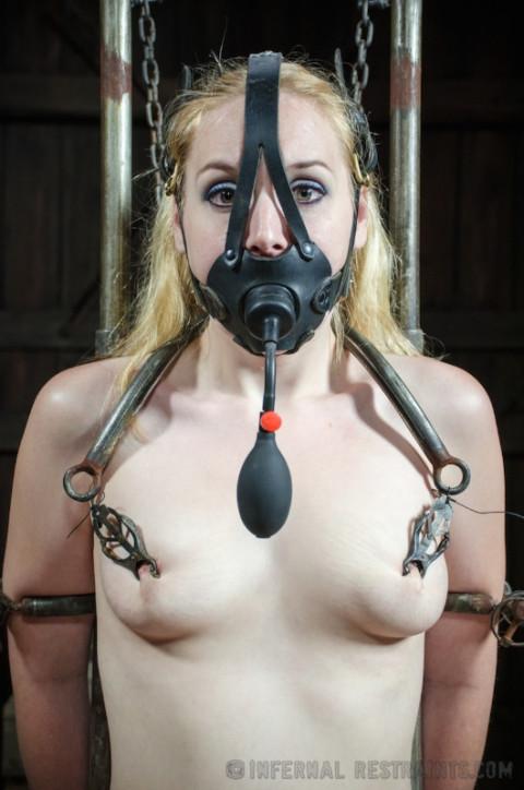 IR - July 18, 2014 - Hot Poke Her - Delirious Hunter - HD