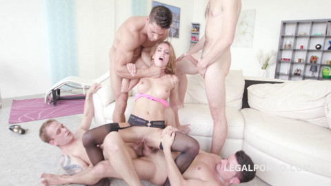 Silvia Dellai Rough 5on1 Gangbang & DP