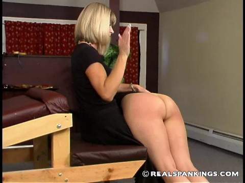 Cindy in the episode Cindys Private Session