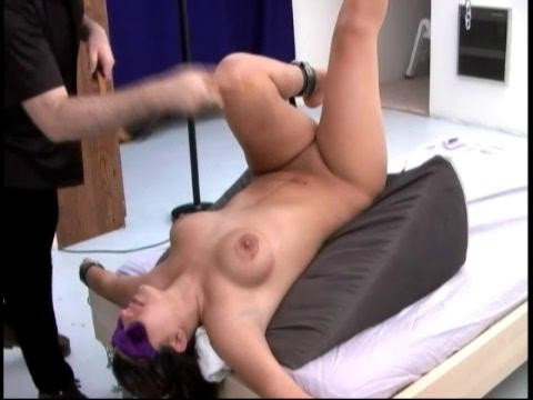 Spanking For Kinky Chica