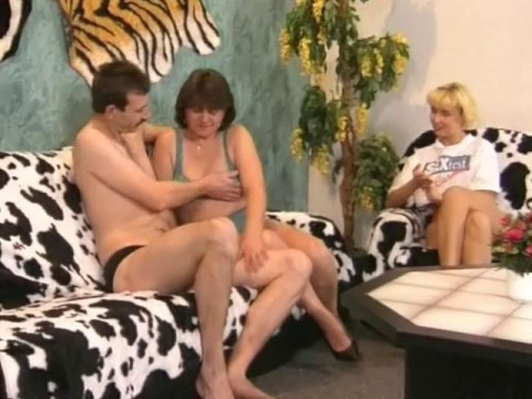 Testing sofa in a group sex