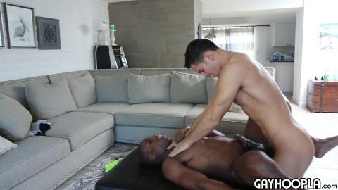 Zach Douglas bonks Tyler Smith Untils anal opening 1080p
