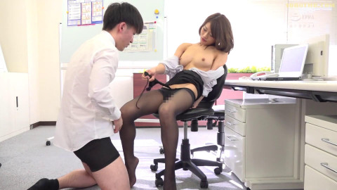 Switch - Black Pantyhose Female Employees Excited Footjob [SW-690]