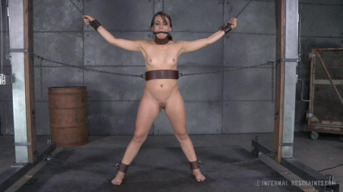 IR - The Freshly Chained - Sexy Girl Mandy Muse