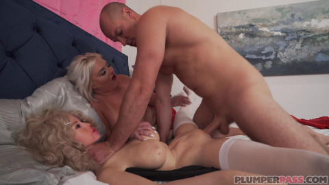 Dolly Threesome