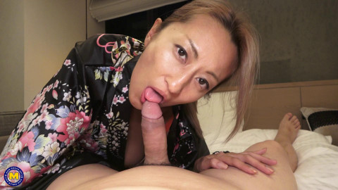 Japanese business lady fucking in a hotelroom