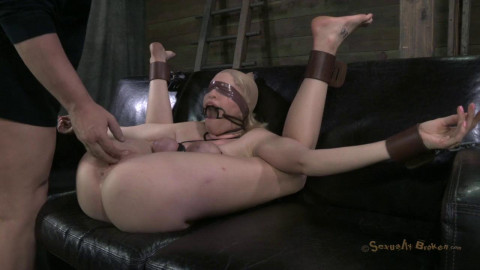 Allie James - Farmers Daughter fastened