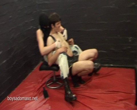 Rimming slave gets piss & spank