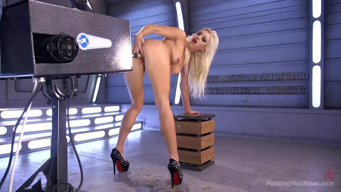 All Natural Blonde Bomb Shell Does Anal and Screams for More!!!