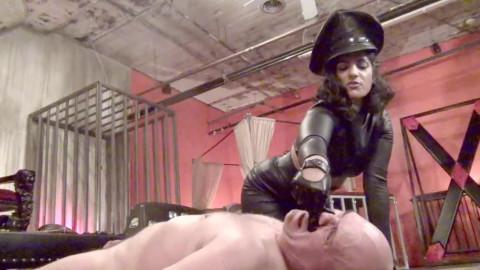 Effortless impudence! Starring Bossy Delilah - HD 720p