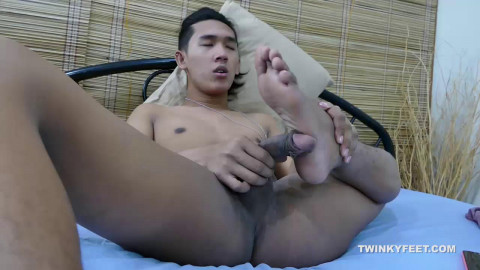 Freddy Worships His Feet