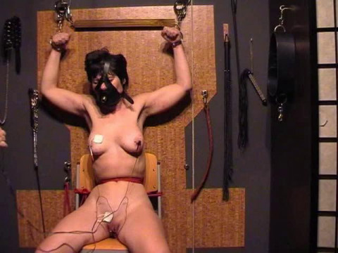 SVP 53 - Xtremes Play with Slave Kirsten