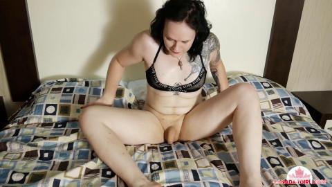 Flexible Sexy Aurora Pleases Herself