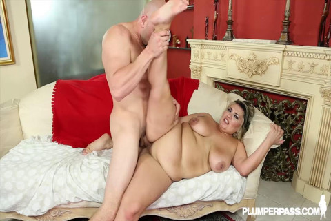 Wet Pussy Pounding