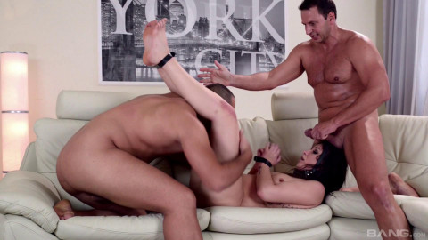 Submission & Deep Sex With DOUBLE PENETRATION For Akasha Cullen