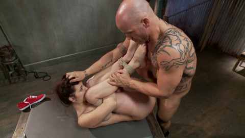 Derrick Pierce, Holly Michaels