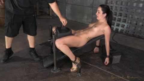 Gets Restrained On A Sybian (5 Nov 2014) Sexually Broken