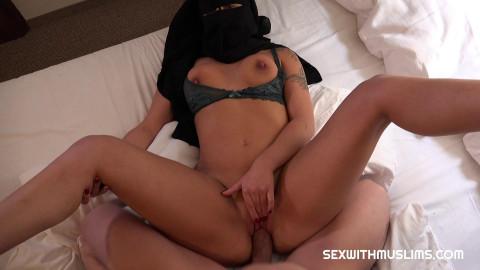 Nicolette Noir - Fuck My Muslim Pussy