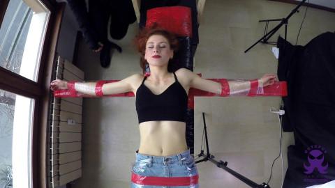HD Bdsm Sex Videos Redhead Dancer Giulia Cross First Time Upperbody