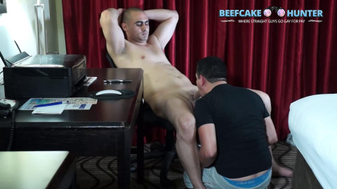 Beefcake Hunter Ron - Turkish cum shower