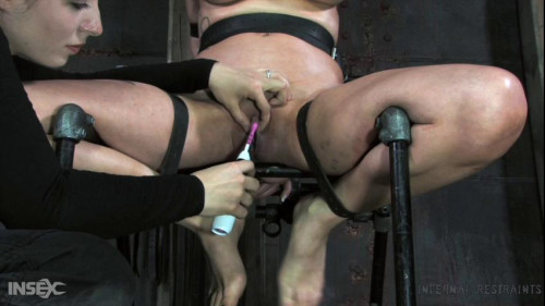 BDSM Suspended in a grid
