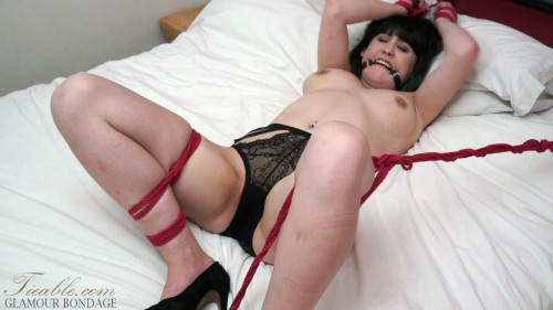BDSM Louise Red - Christmas spread eagle