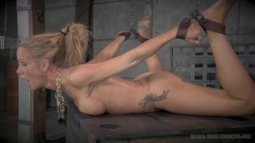 BDSM MILF Simone Sonay does epic Deepthroat on BBC