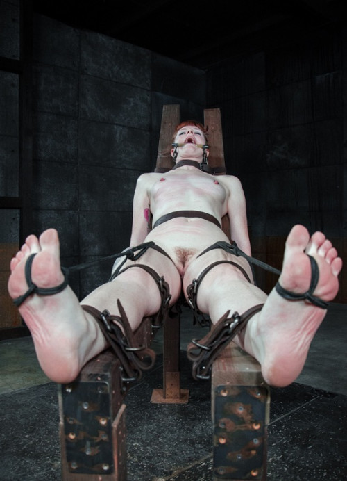 bdsm Barbary Rose-Toe Tease