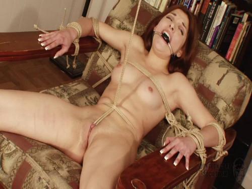 BDSM Evilyn Fierce Bondage
