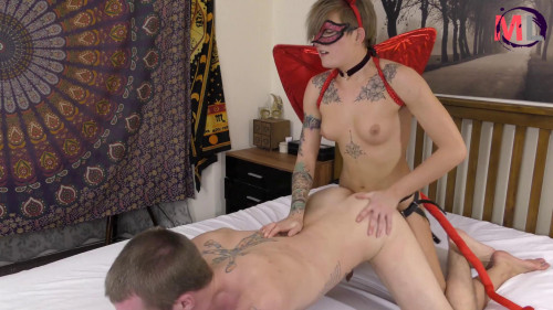 Femdom and Strapon Devil shows boyfriend how to Fuck