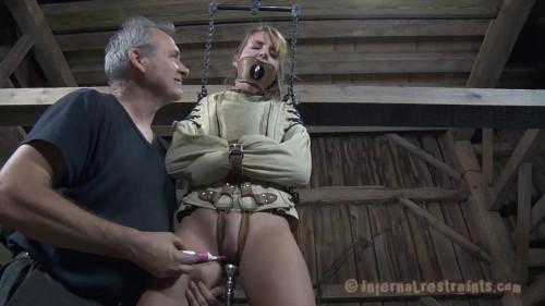 BDSM Hysteria (Alisha Adams)