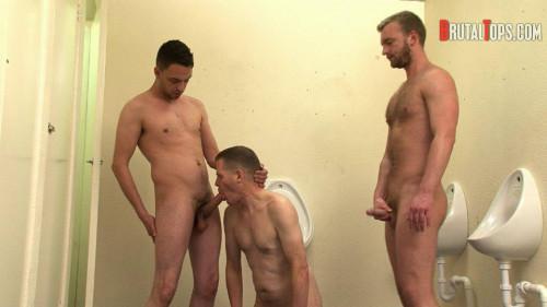 Gay BDSM Session 303 : Master Dale and Master Jurgis