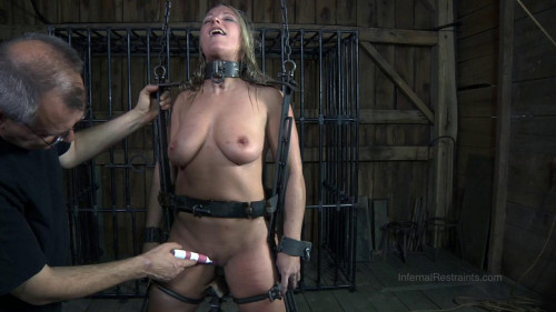 bdsm Dia Zerva - Exposed