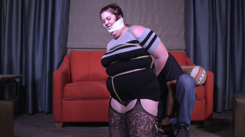 BDSM Christy Cutie-I need you to wake up so you can tie me up!