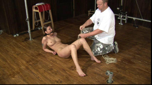 BDSM Toaxxx - (tx234) Julia Power – Machine Fucked on the Floor - May 25, 2016