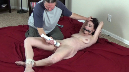 BDSM Vibe Abused Til She Squirted