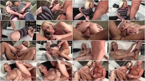 Transsexual Amateur Newbie Leanna Monroe Gets Dicked Down