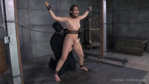BDSM Mandy Muse Freshly Chained